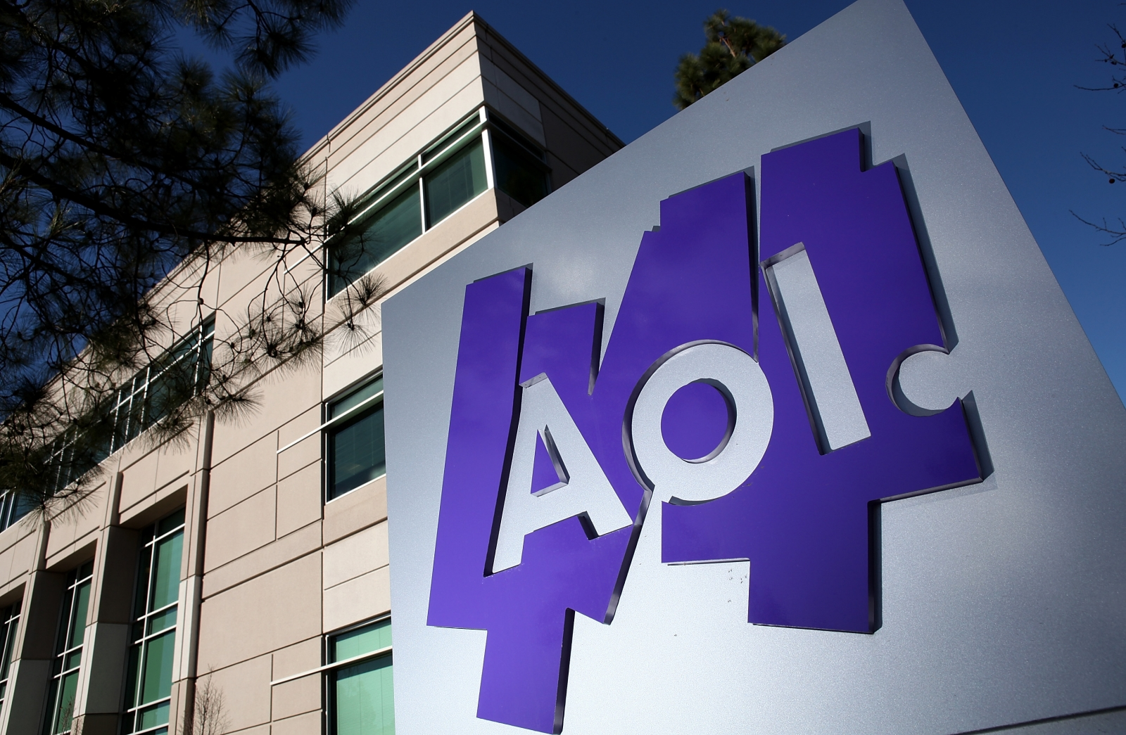 AOL to cut 500 jobs, while shifting its focus on mobile ...