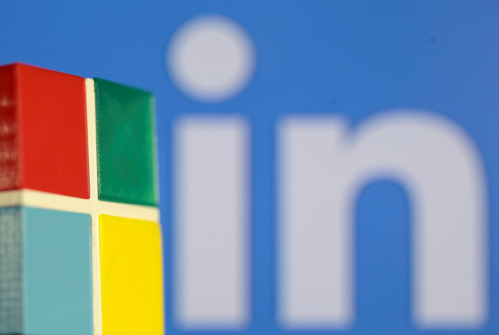 Microsoft offers concession to EU for LinkedIn
