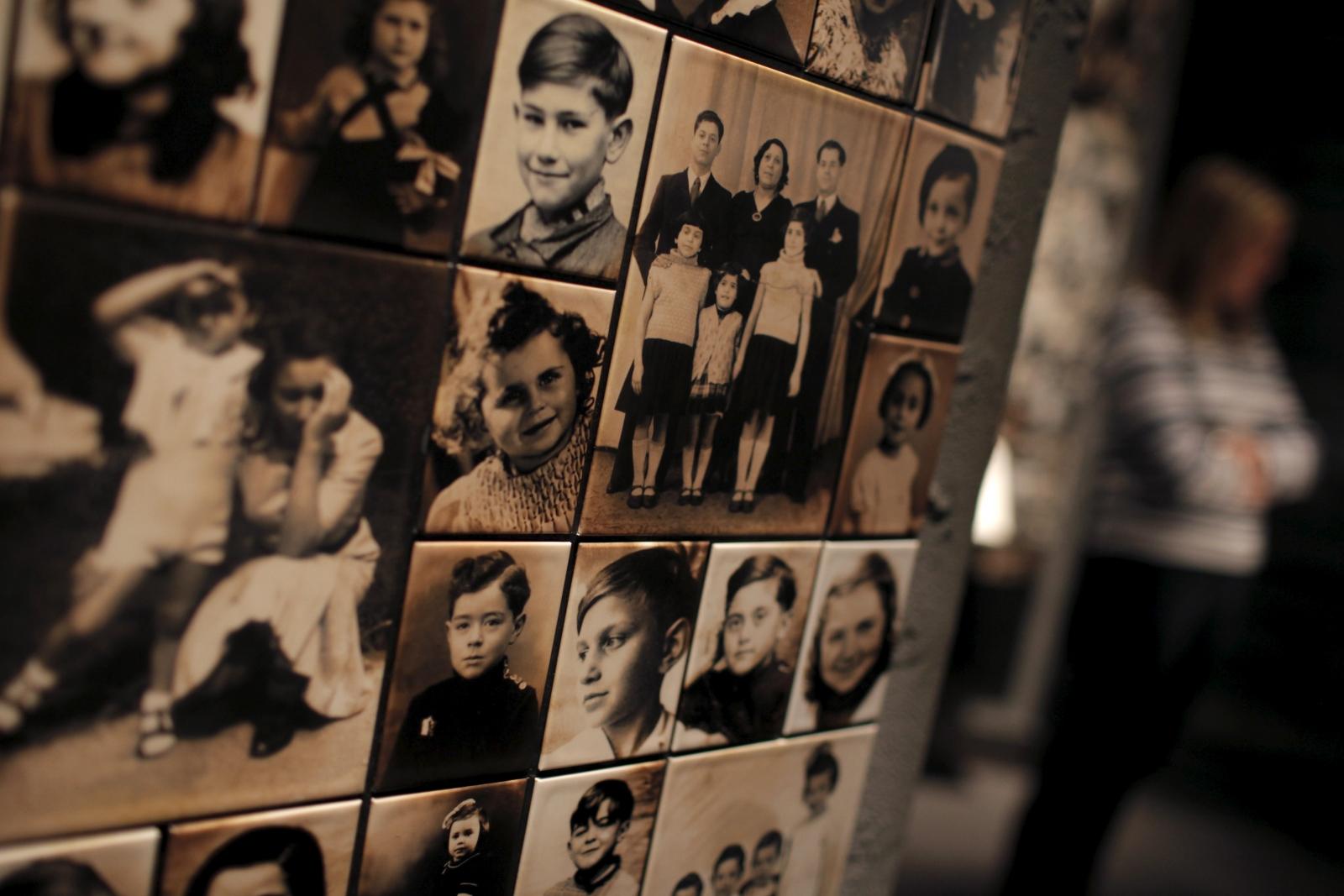 HOLOCAUST/MEMORIAL