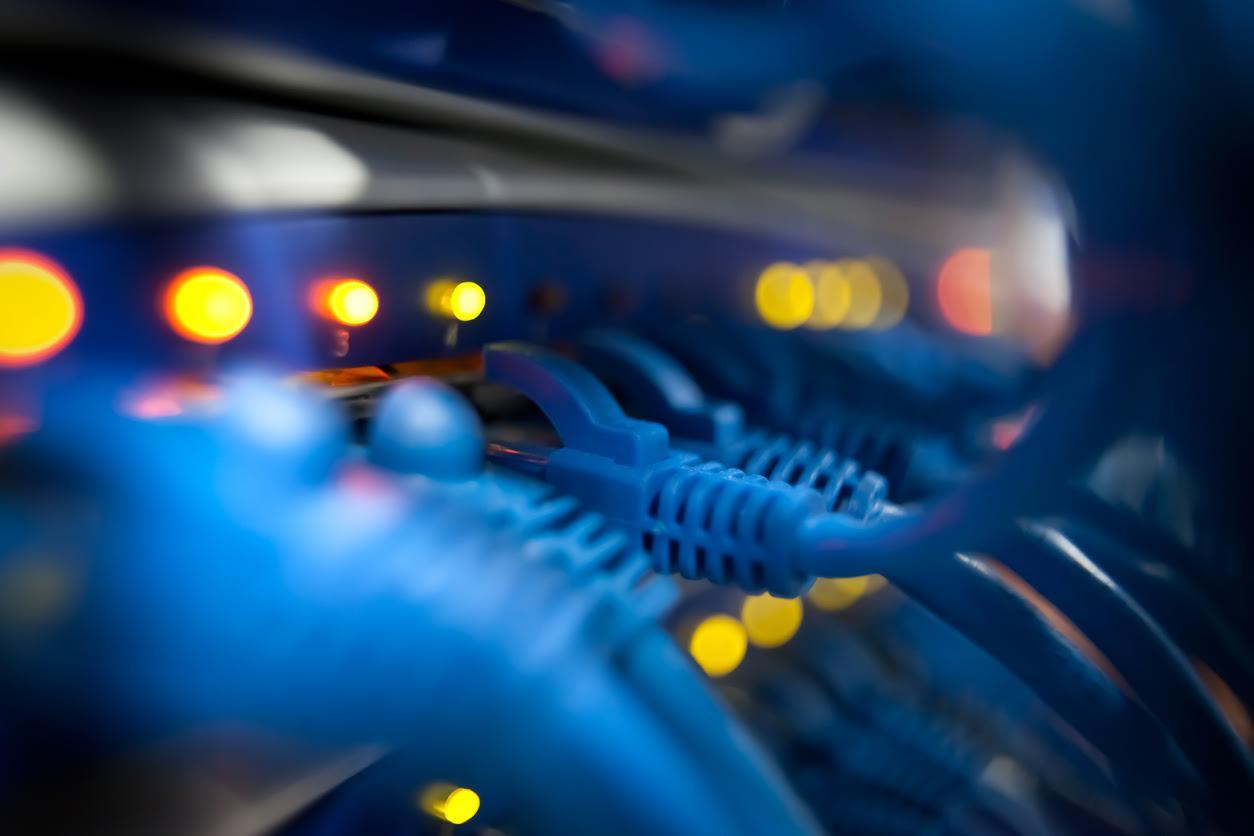 Internet server cables