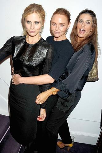 Stella McCartney, model Laura Bailey with British Vogue editor Alexandra Shulman