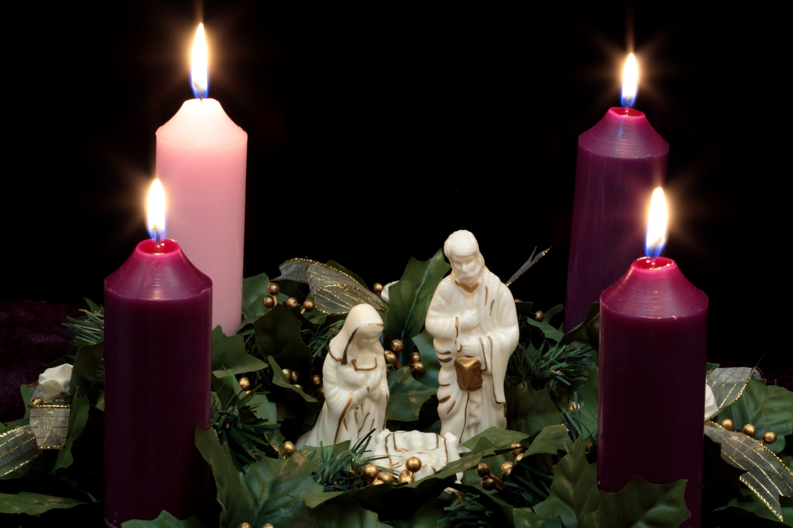 Advent wreath and nativity figures