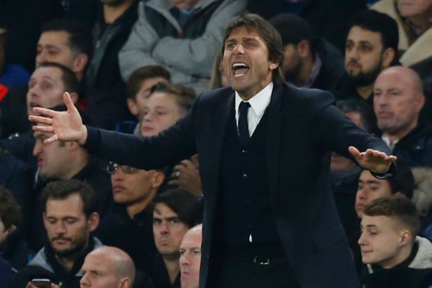 Antonio Conte urges his team on