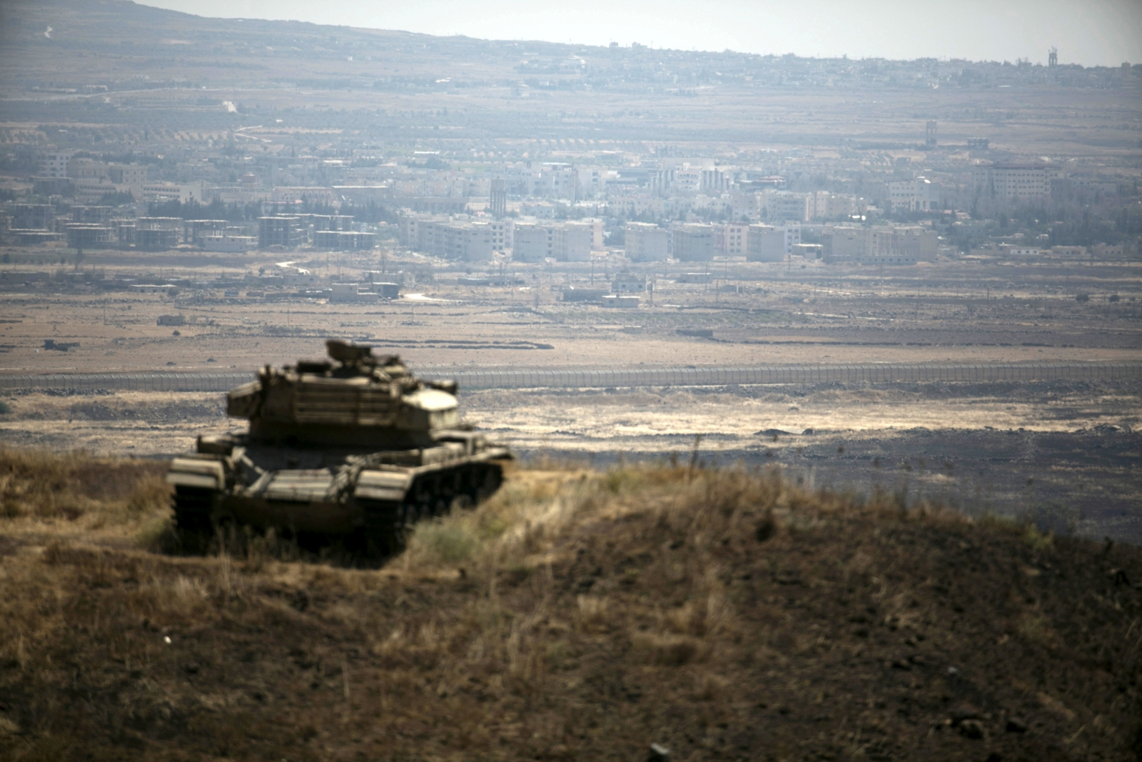 Isis militants and Israel clash for the first time in terror group's history