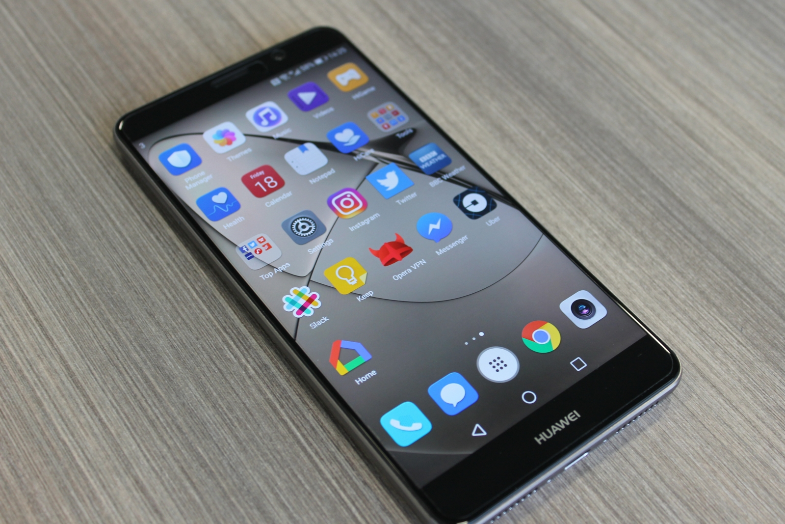 huawei mate 9 review taking the fight to samsung with a machine learning monster
