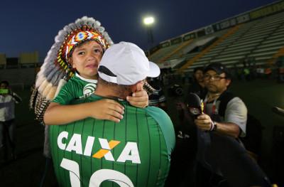 Chapecoense soccer team tributes