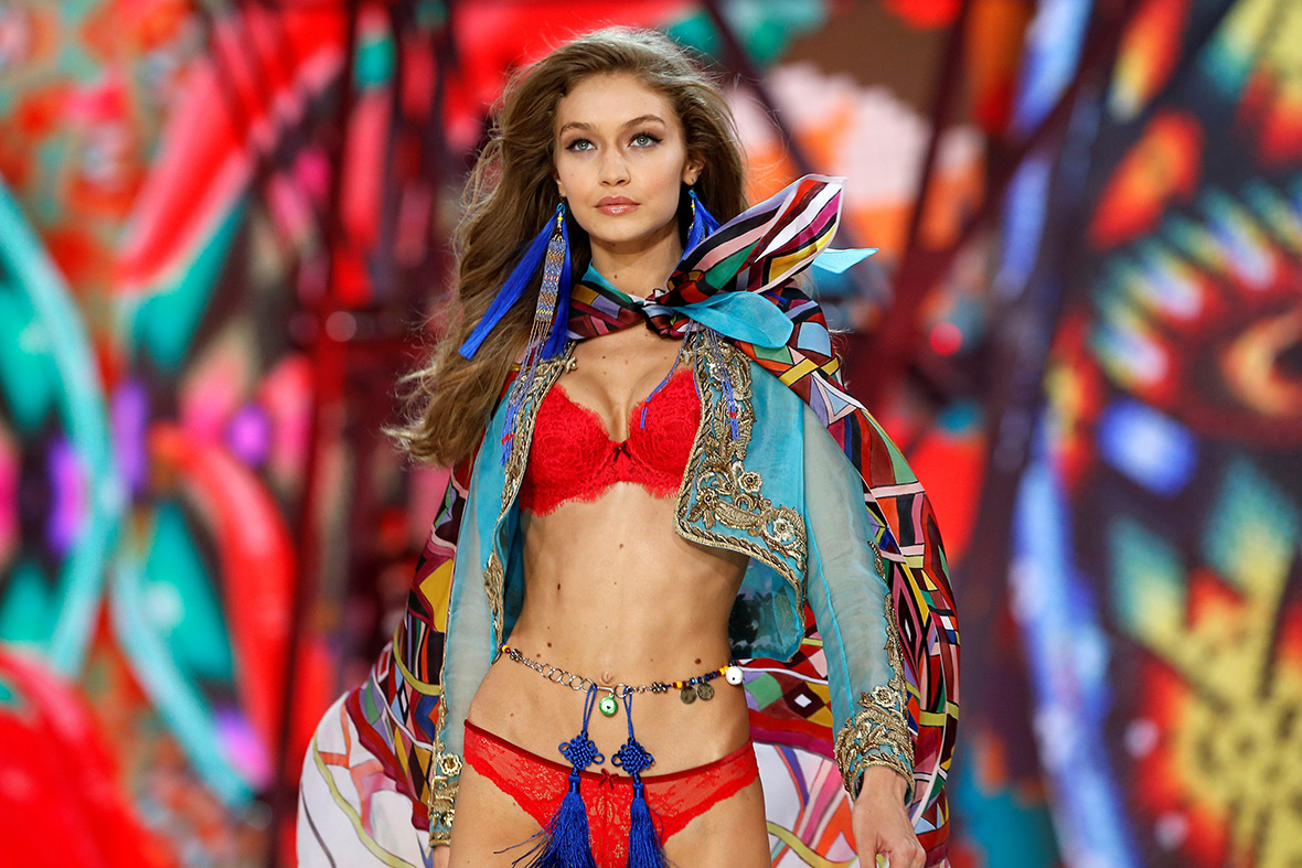 Victoria's Secret fashion show 2016 Paris