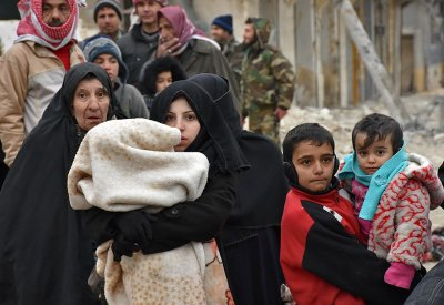 Aleppo civilans flee