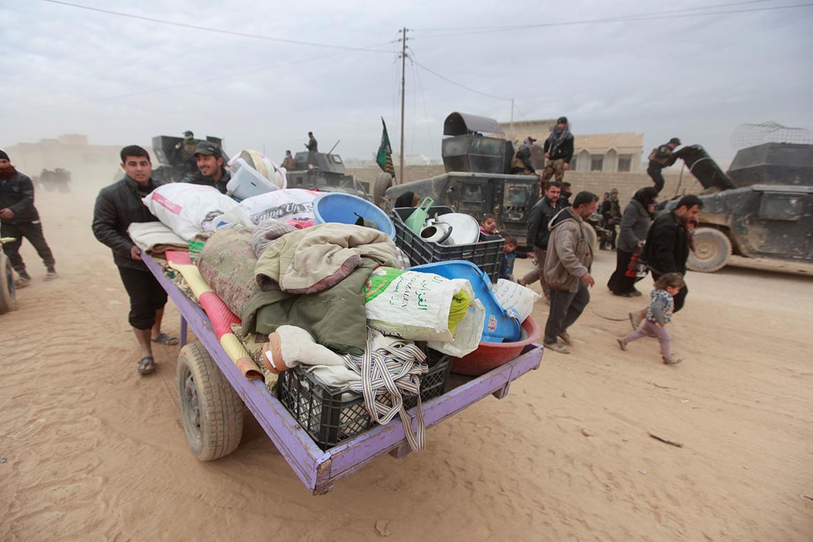 Mosul supplies cut