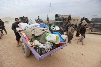 Mosul supplies cut