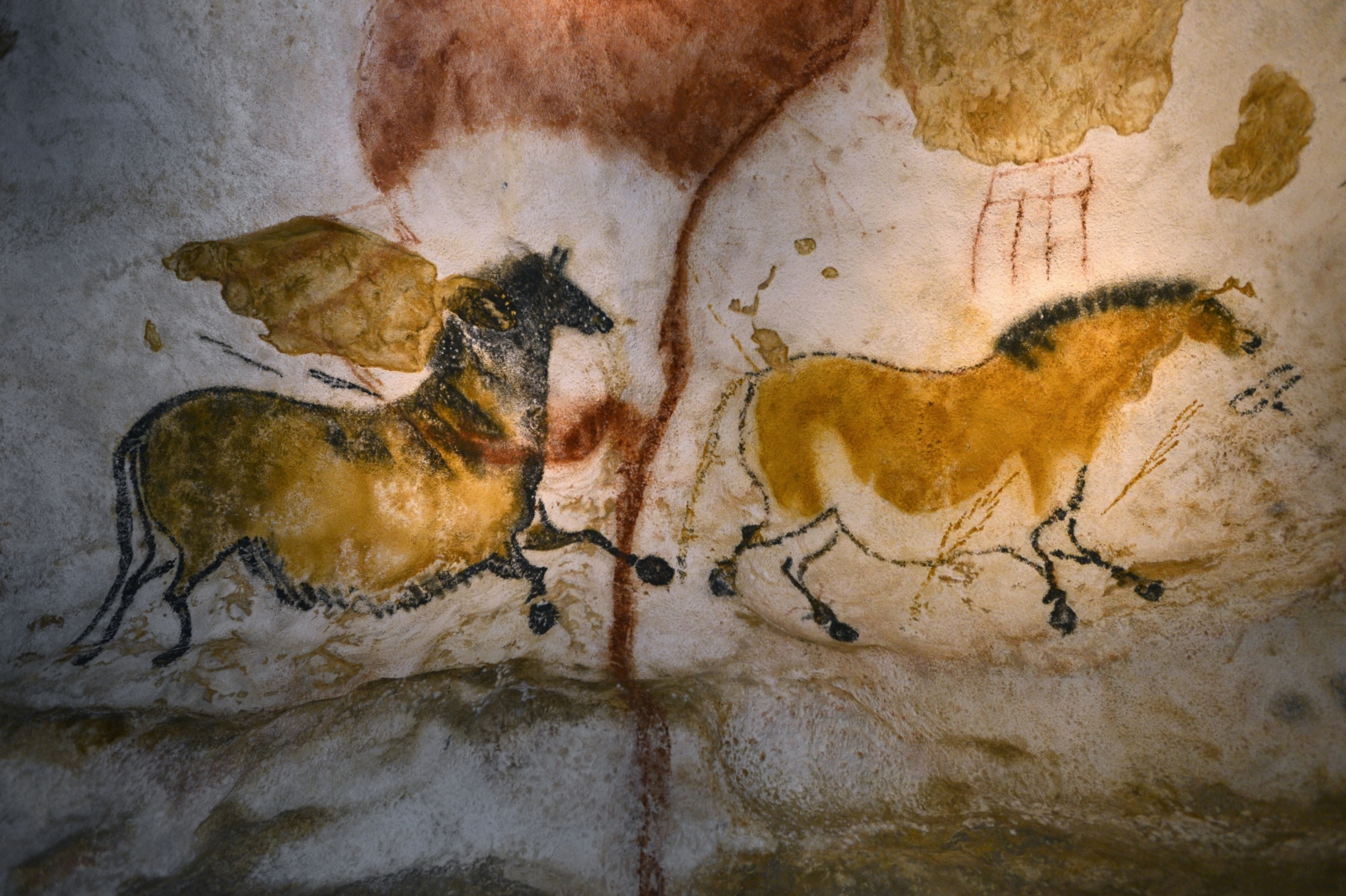 Lascaux Cave Paintings Layout Meaning Photographs