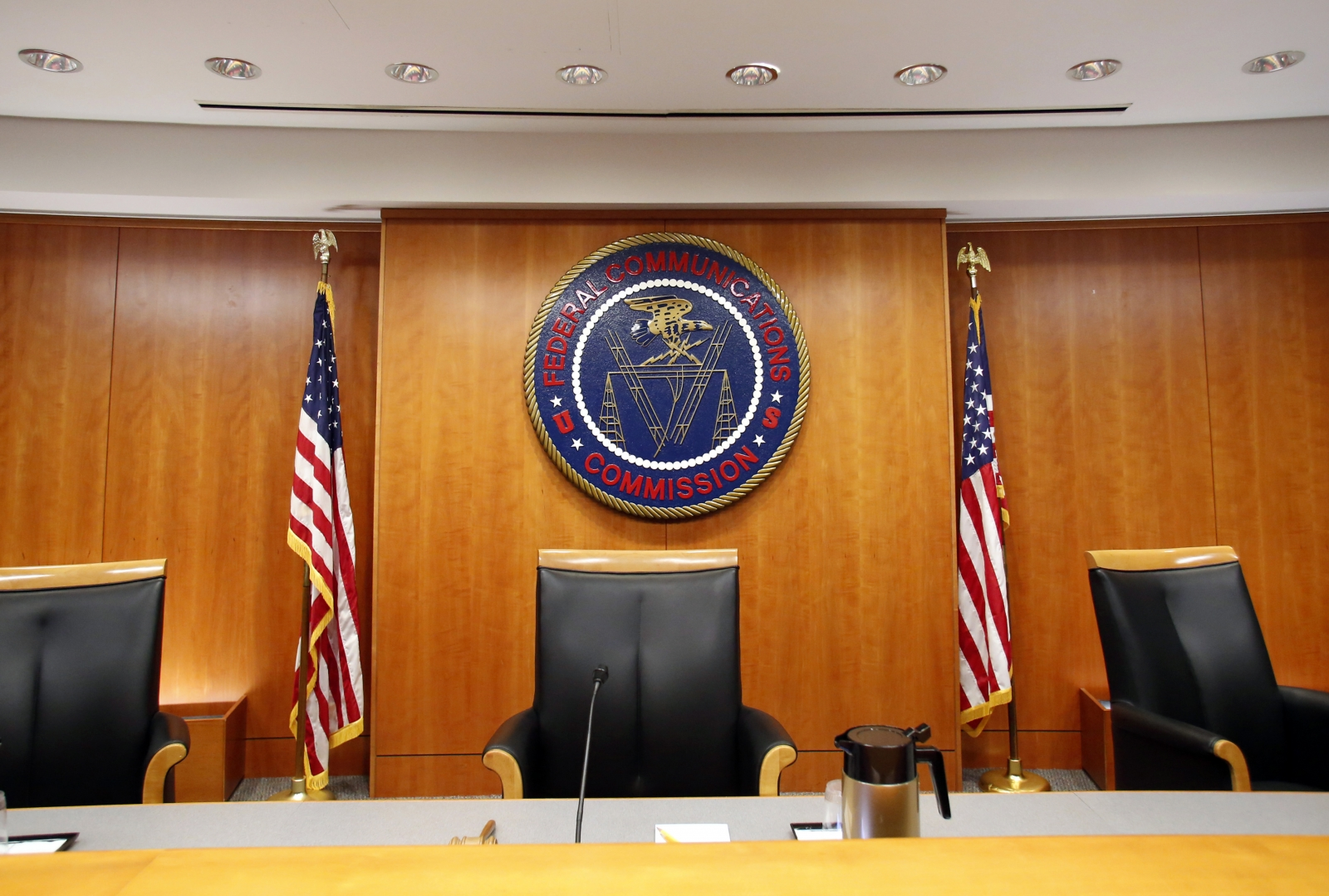 FCC slams Verizon and AT&Tfor violating net neutrality over free data offers