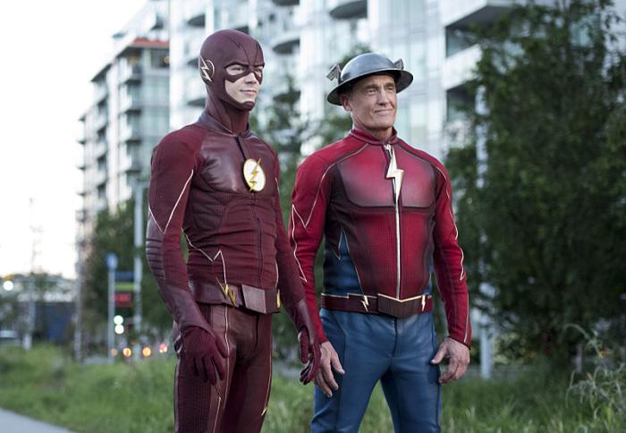 Flash season 3 episode 9