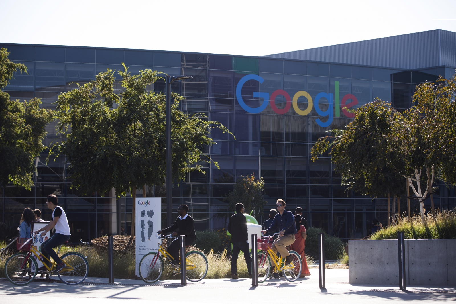 Google meets renewable energy goal for global operations