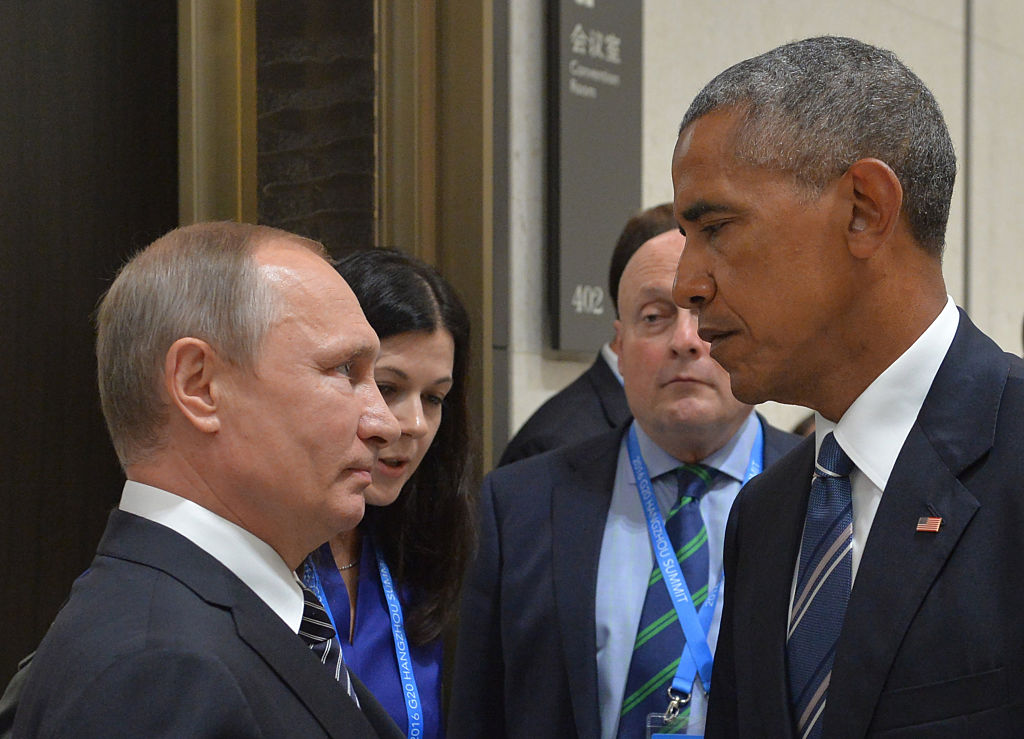 Russian President Vladimir Putin (L) meets with his US counterpart Barack Obama on the sidelines of the G20 Leaders Summit in Hangzhou on September 5, 2016