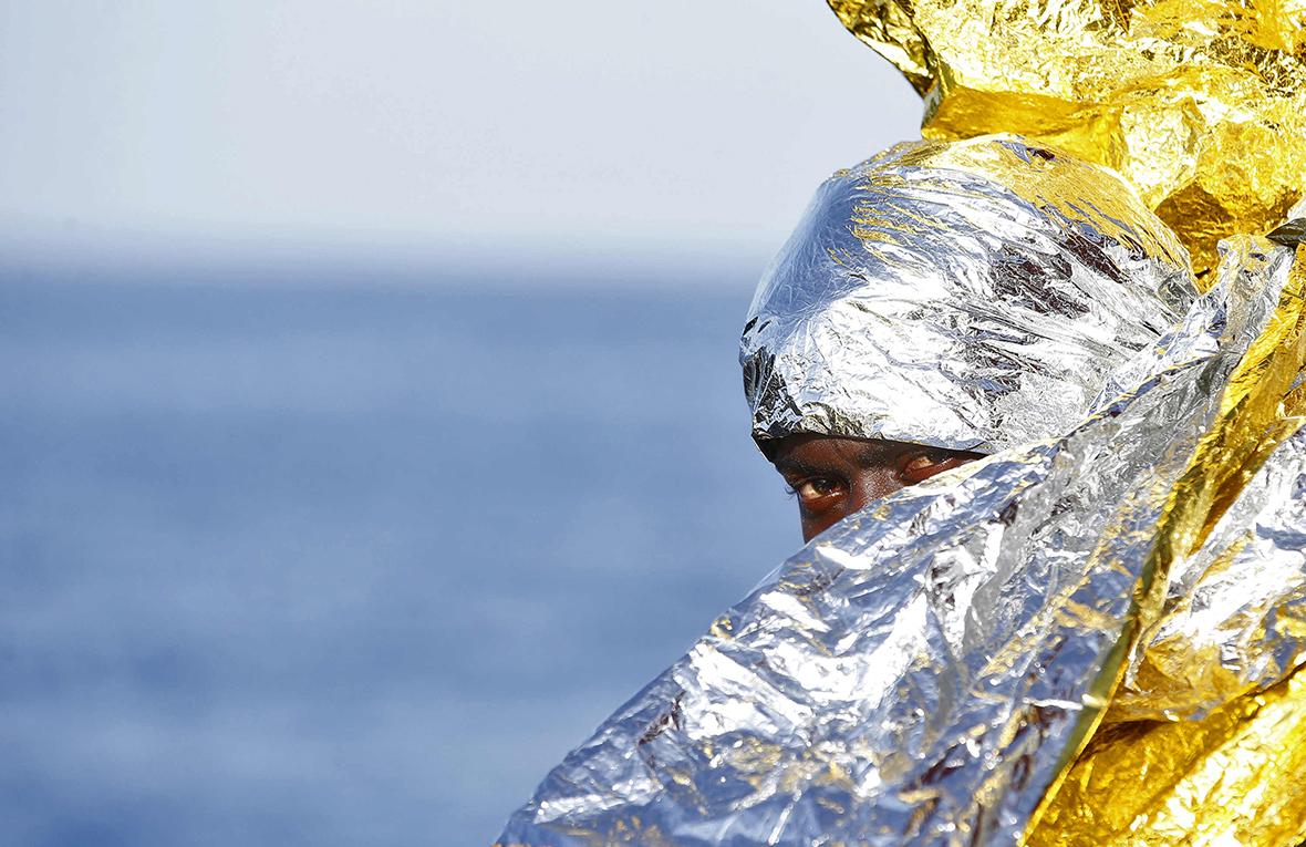 refugees italian coast