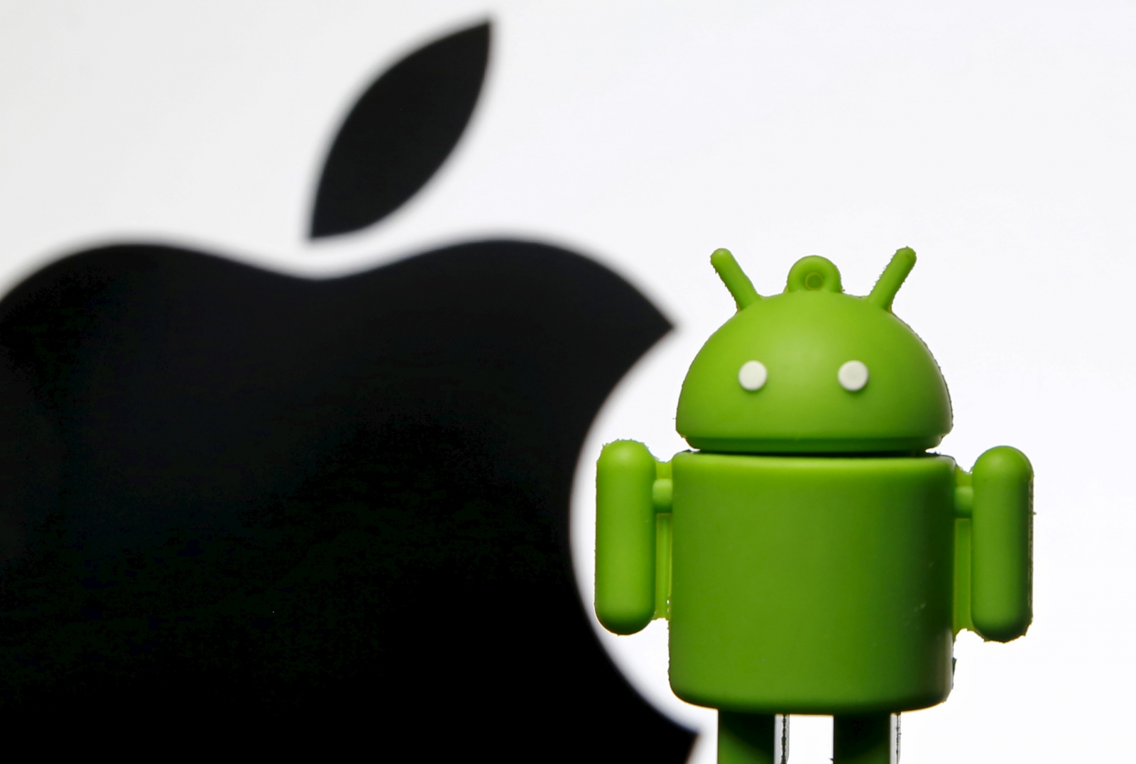 Apple Android logos