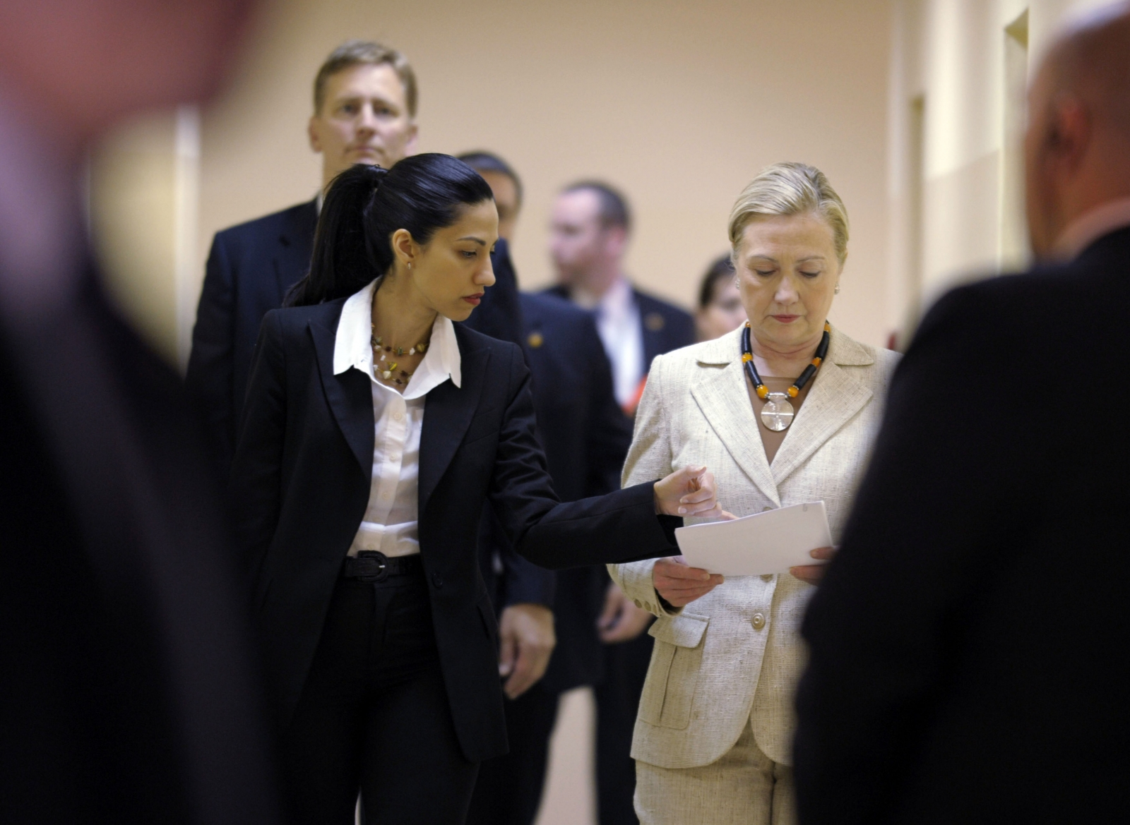 Hillary Clinton aide Huma Abedin seeks to review the FBI's Clinton emails search warrant