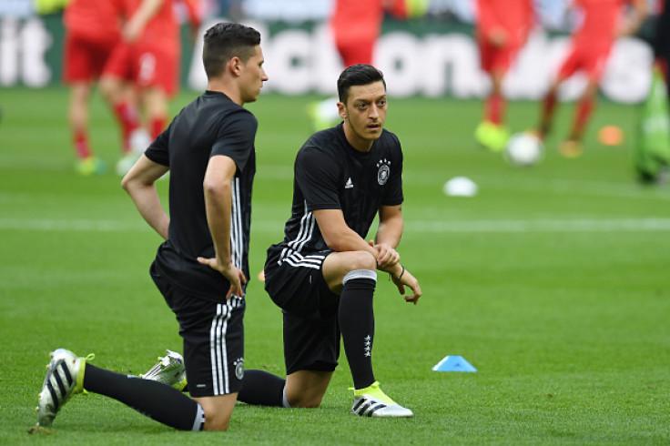 Julian Draxler-Mesut Ozil