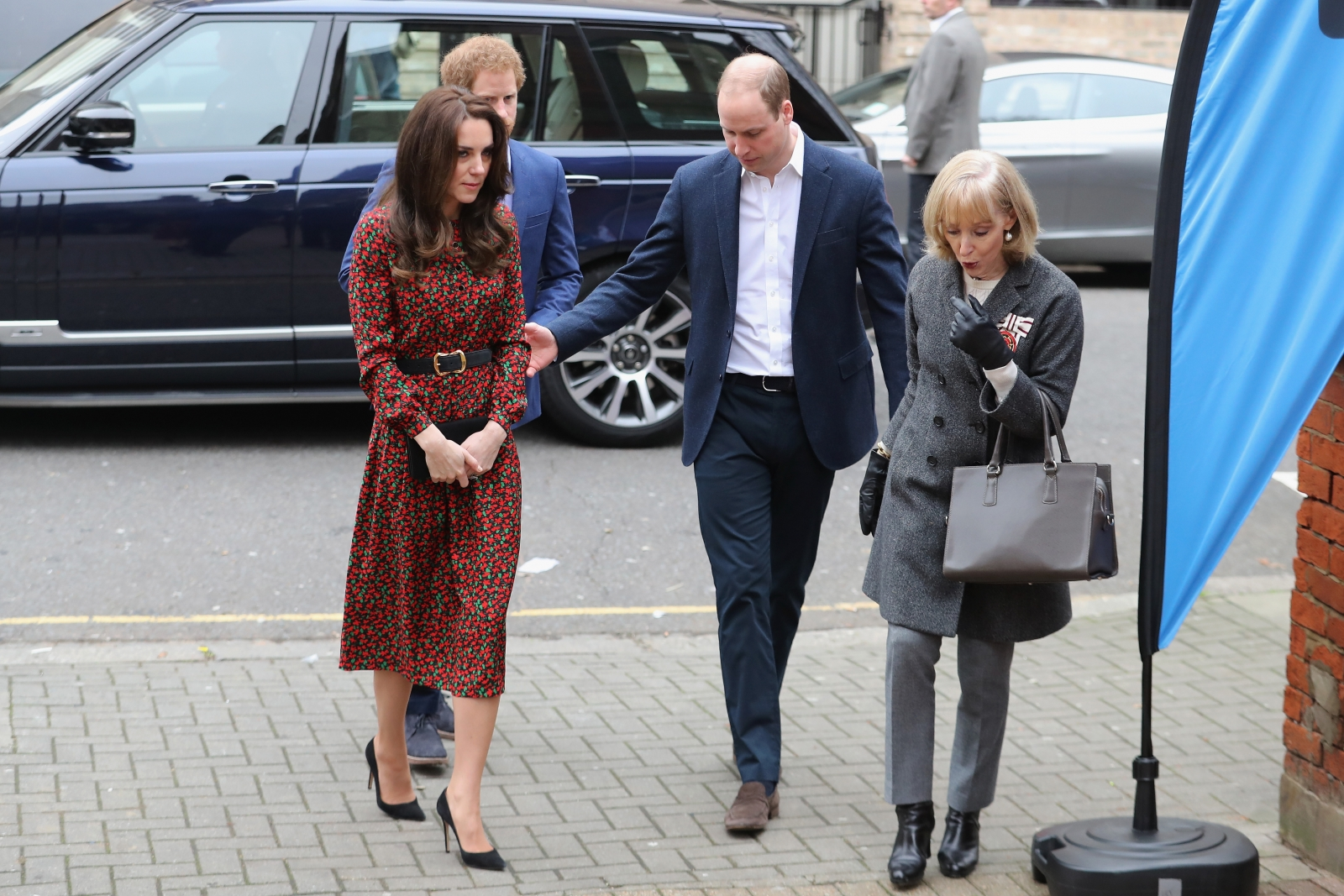 Glum Prince Harry next to Kate Middleton and Prince ...