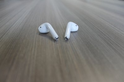 Apple AirPods review wireless headphones