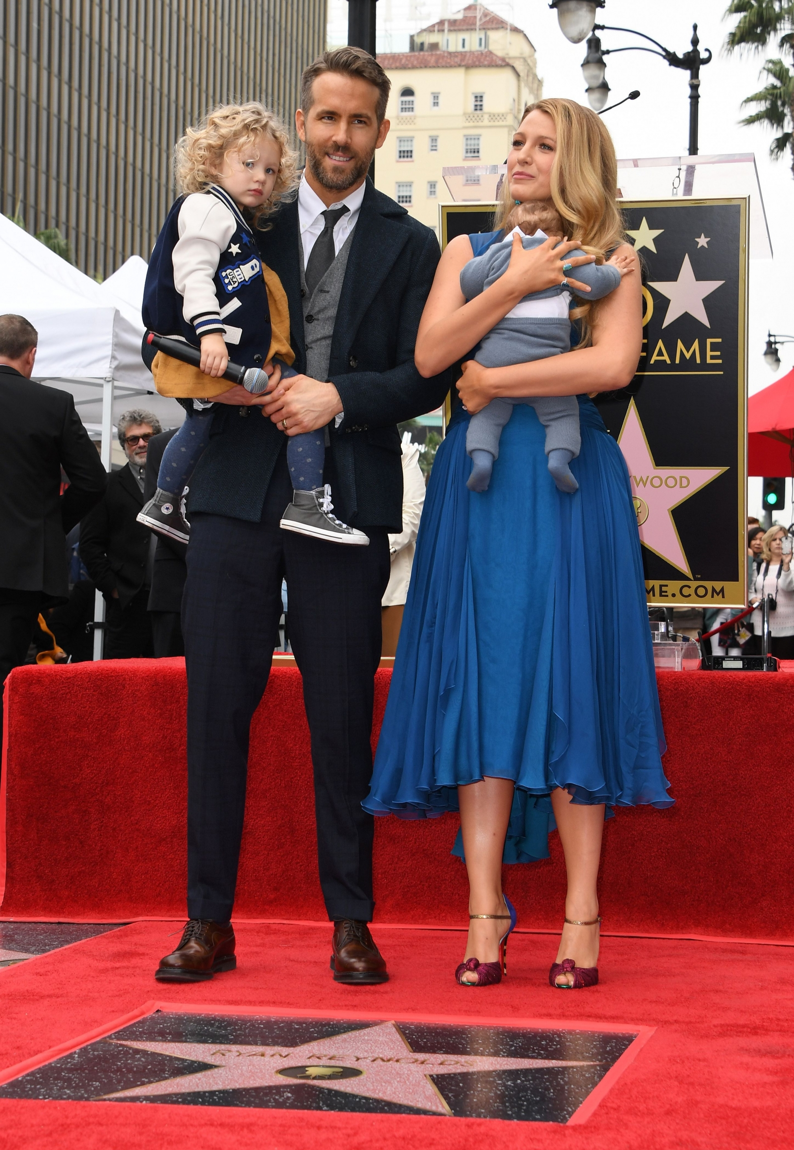 Blake Lively reveals husband Ryan Reynolds' tweets about ...