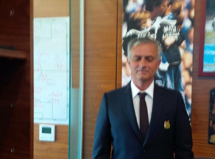 Jose Mourinho tactics board
