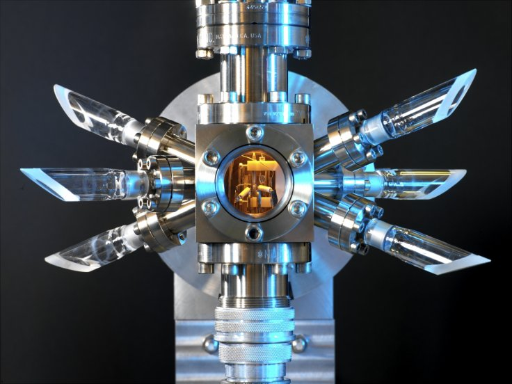 atomic clock leap second