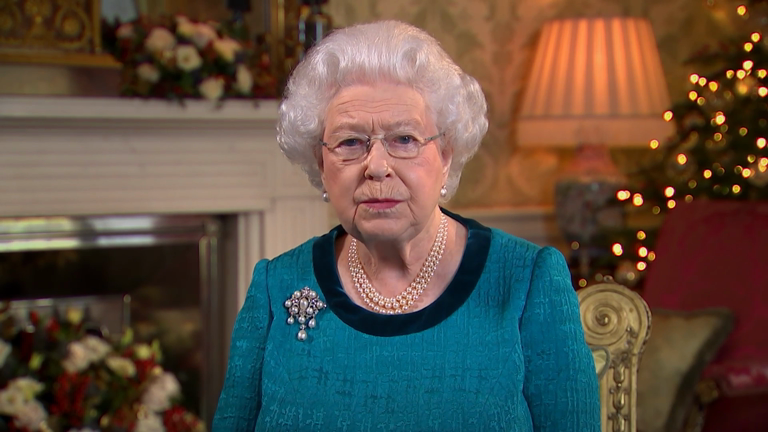Queen Elizabeth II praises unsung heroes in 2016 Christmas message