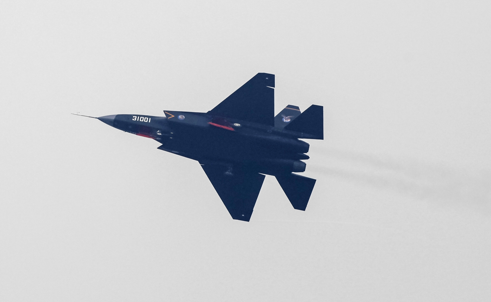 China stealth fighter jet