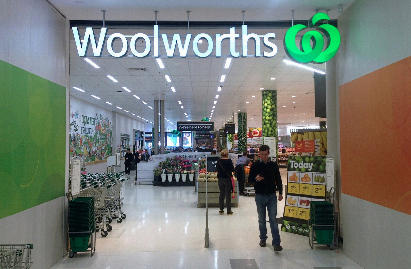 BP to buy the fuel business of Australia's Woolworths for about £1bn