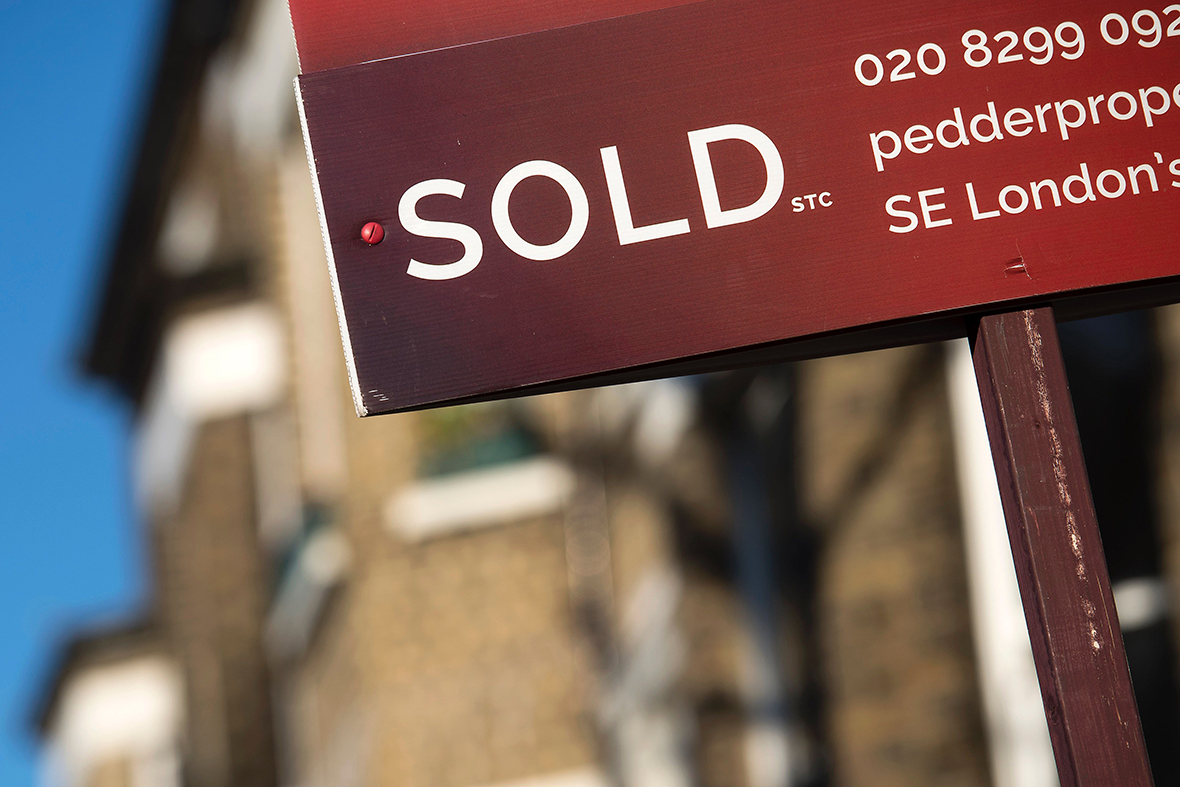 United Kingdom house price index falls for first time in five months