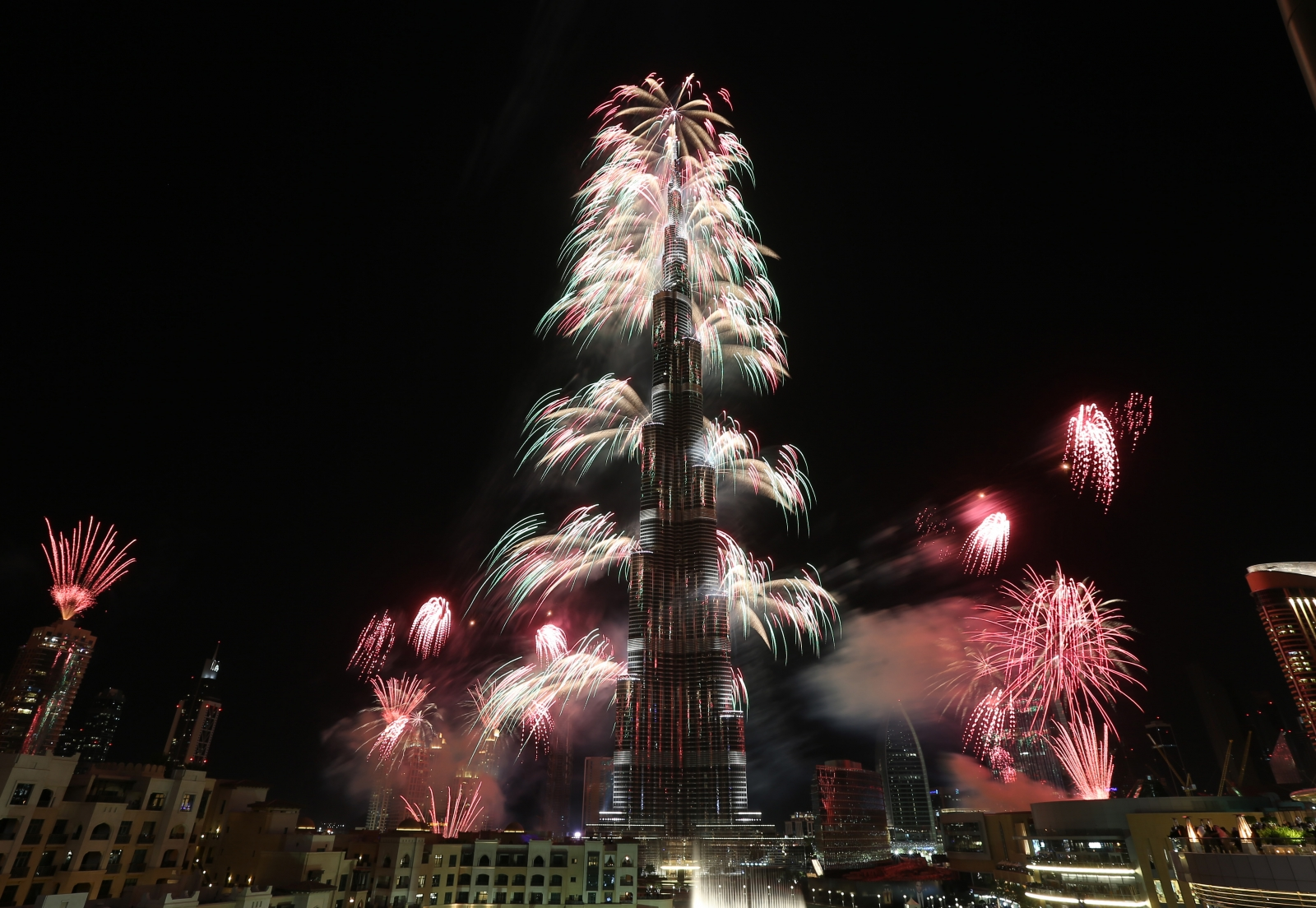 New Year Eve Fireworks at Dubai Burj Khalifa Watch Hd Video