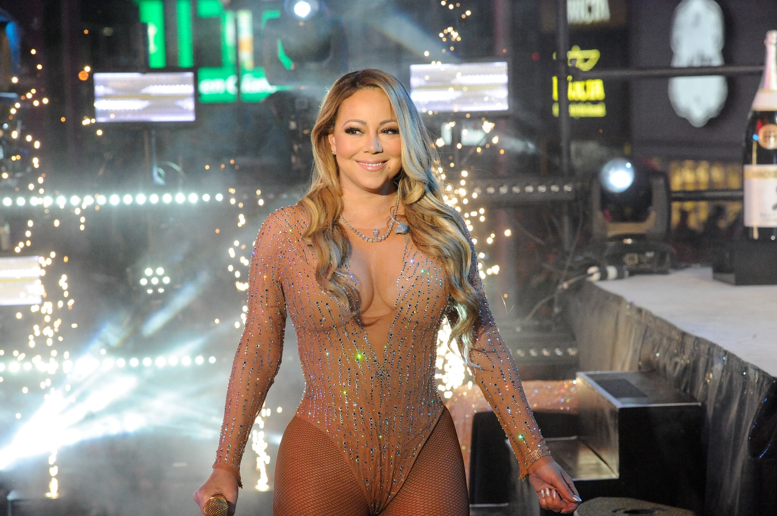 Mariah Carey New Years Eve 2017 performance
