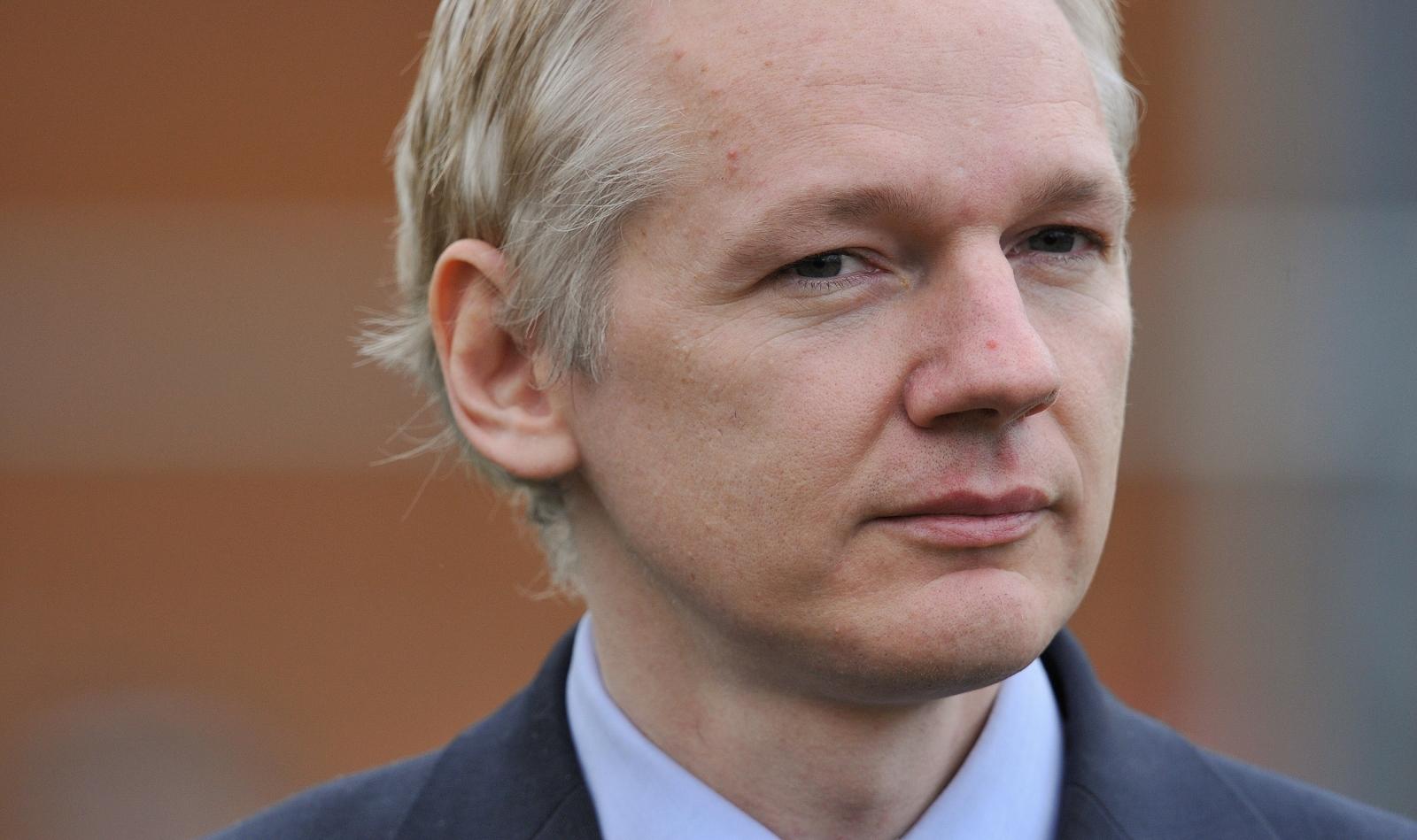 Assange - Obama administration attempting to 'delegitimize' Trump