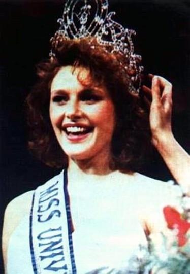 6.Miss Universe 1990