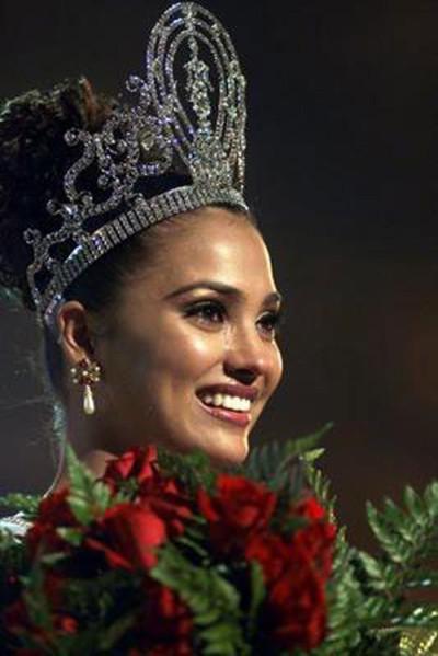 8.Miss Universe 2000
