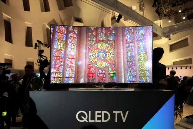 QLED vs OLED: Which is best? Guide to Samsung TV tech