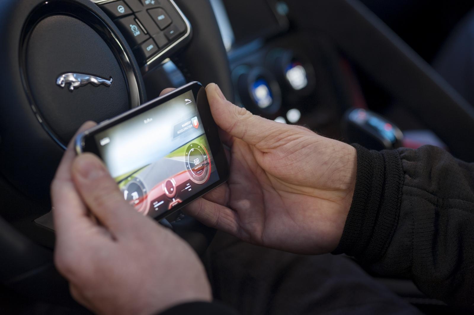 Jaguar F-Type ReRun GoPro app