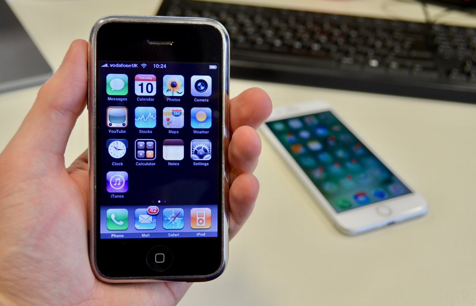 Can you still use the original iPhone? A day with a decade ...
