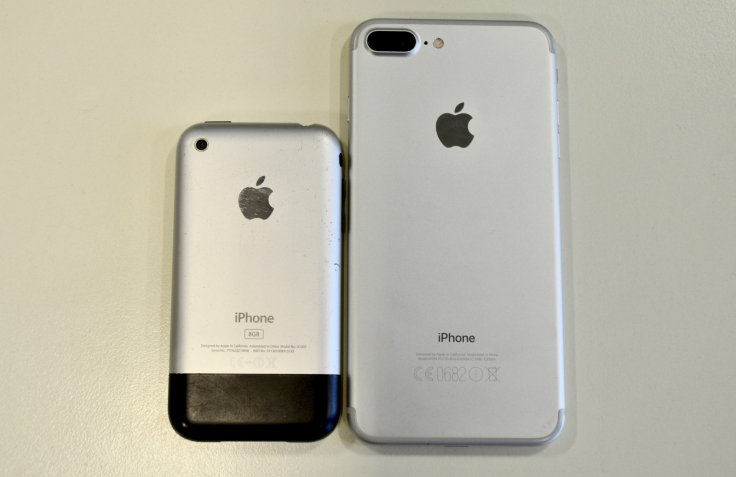 iPhone 2G and iPhone 7 Plus