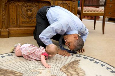 US President Barack Obama with children