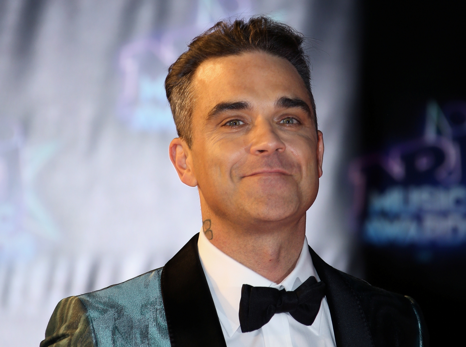 Robbie Williams tour: Management placing tickets on resale ...