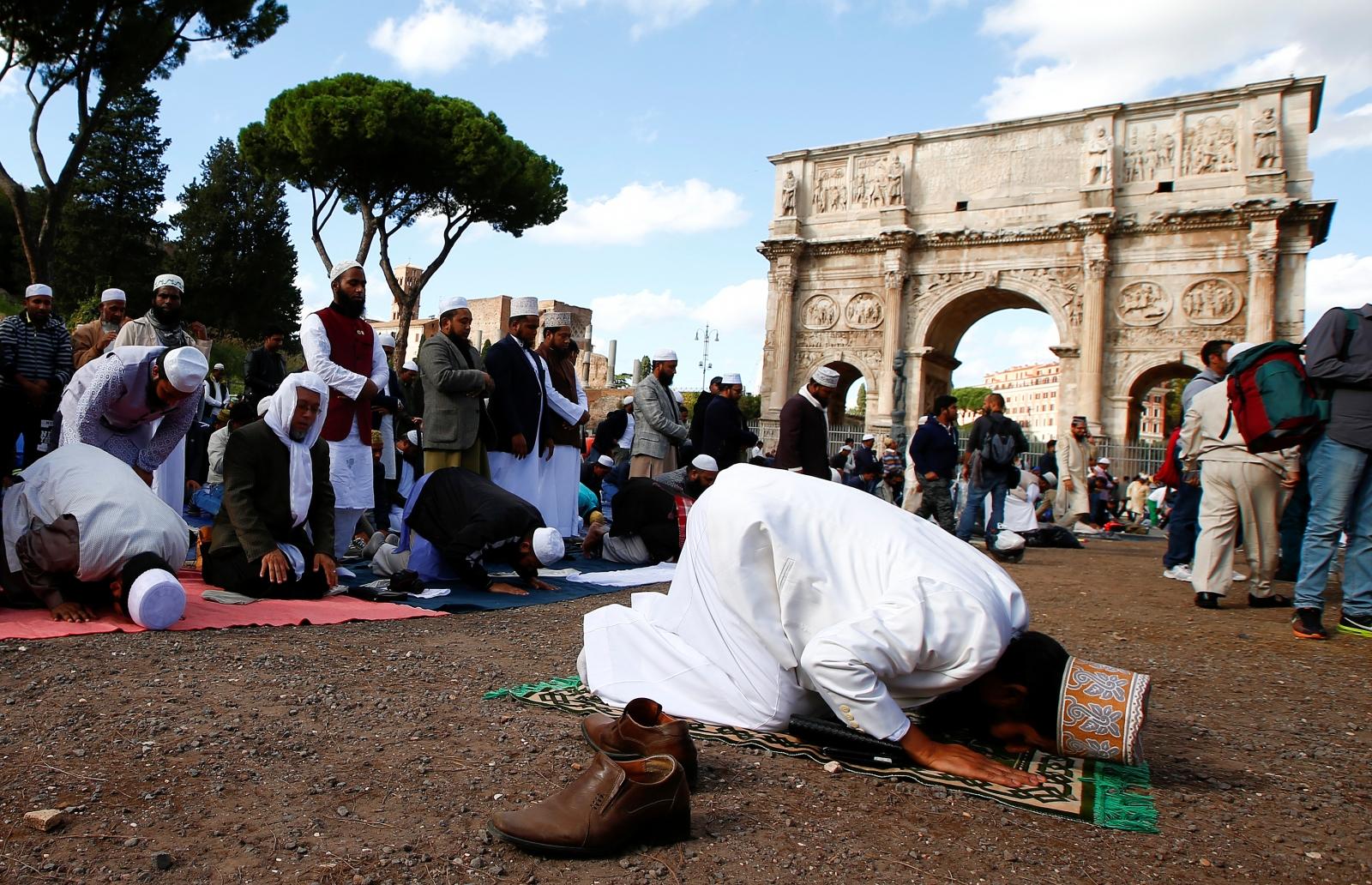 Friday prayers in Rome