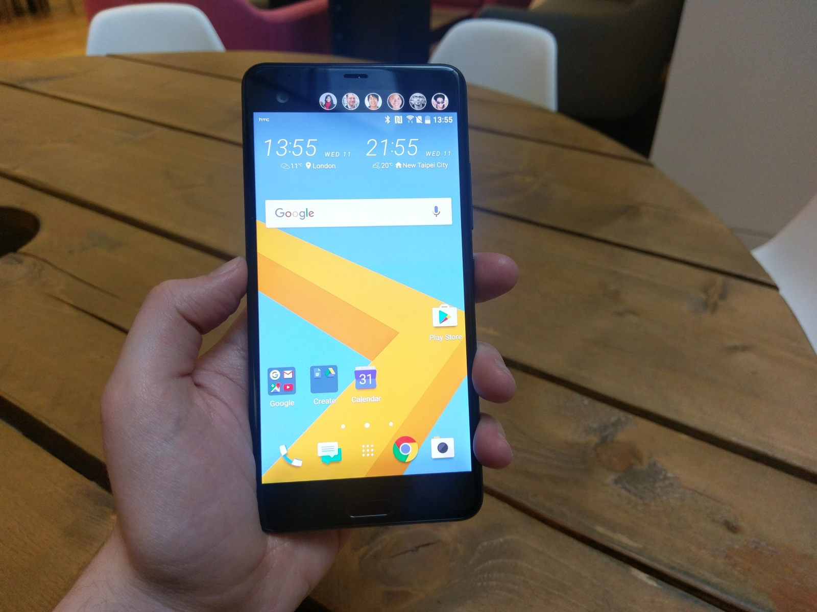 htc u ultra and play hands on preview. Black Bedroom Furniture Sets. Home Design Ideas