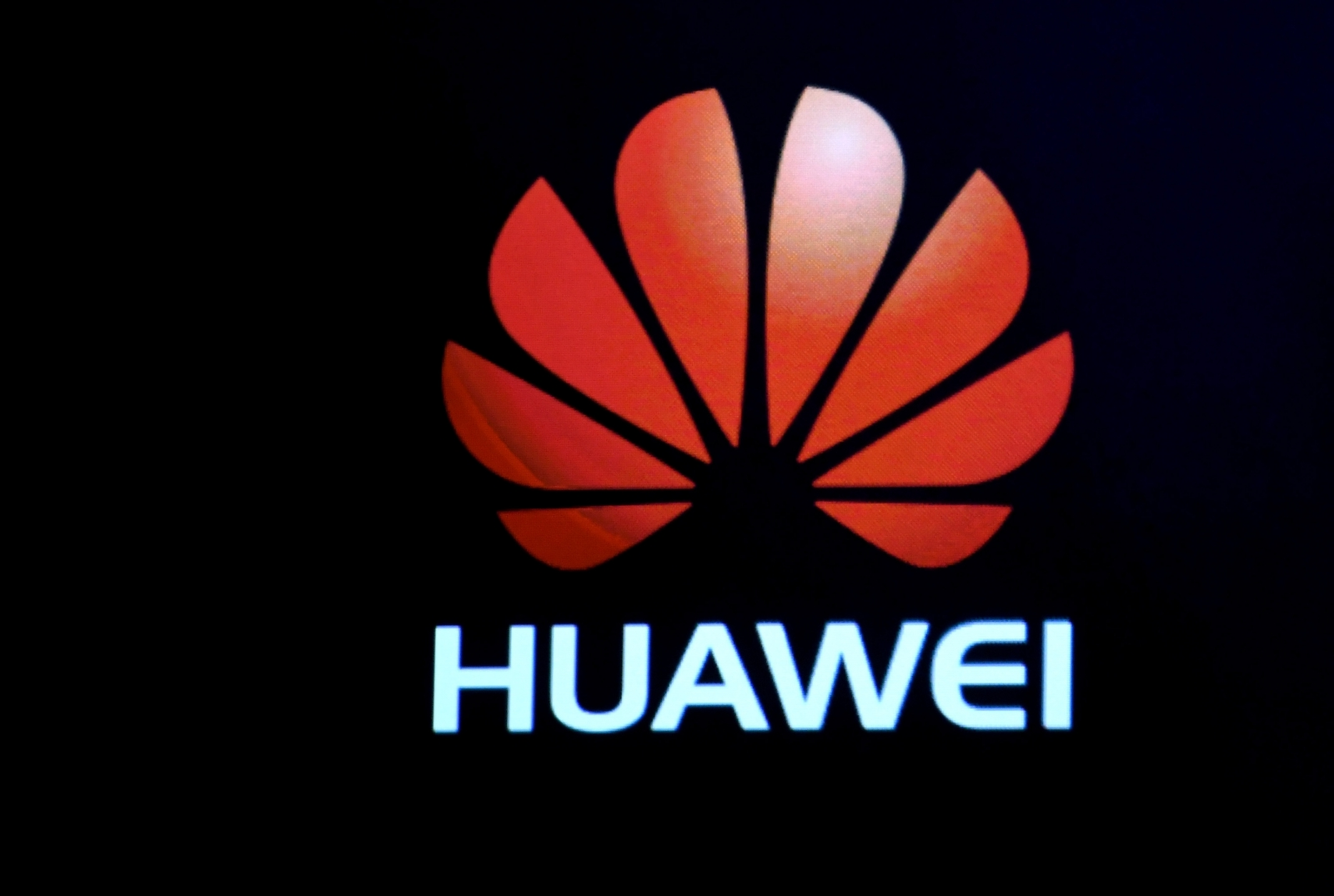 Huawei sends invite for 26 February event
