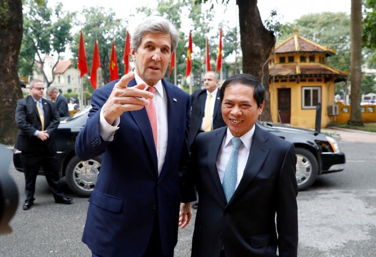 John Kerry in Vietnam