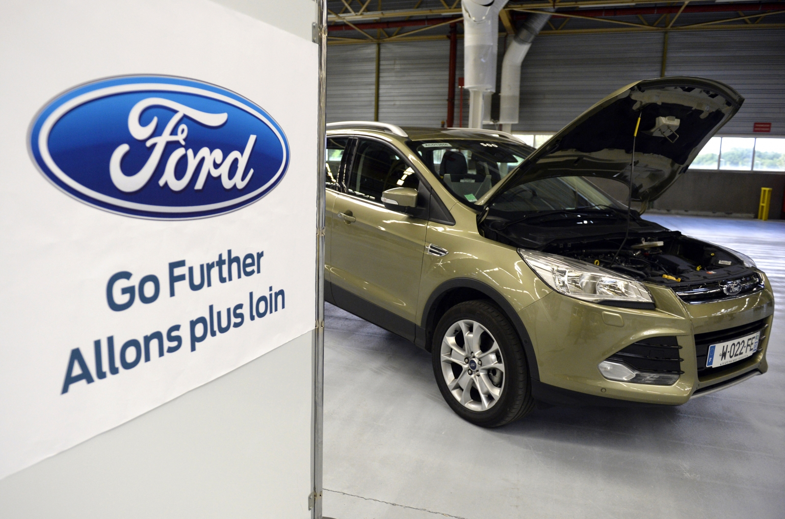 ford recalls 4 500 kugas in south africa after dozens. Black Bedroom Furniture Sets. Home Design Ideas