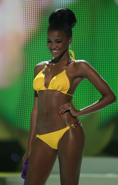 Leila Lopes becomes the first Miss Universe from Angola Photos
