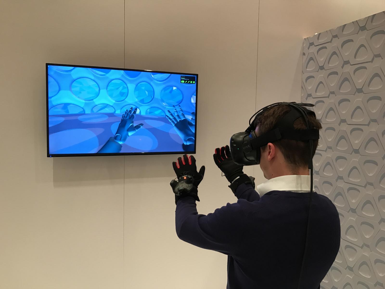 HTC Vive VR gloves